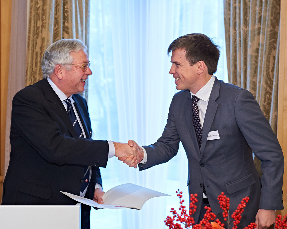 Tübinger Urologe erhält C. E. Alken-Preis